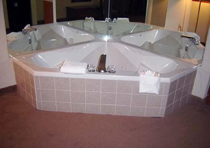 Comfort Suites of Southport - Whirlpool